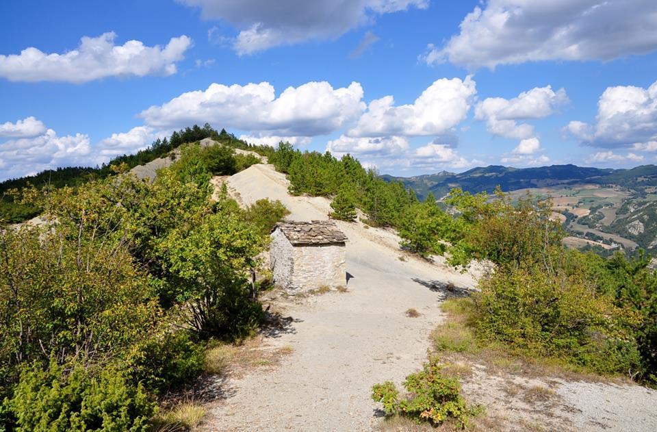 DUE GIORNI AUTUNNALE: L' arido crinale di Monte Marino
