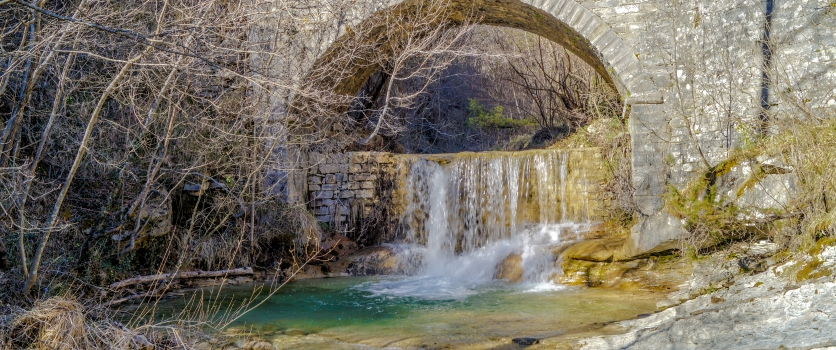 Risalendo le cascate nella valle segreta del Giardino