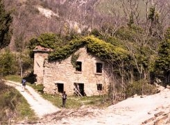 Dove le pietre raccontano: la vallata fantasma delle Petrose