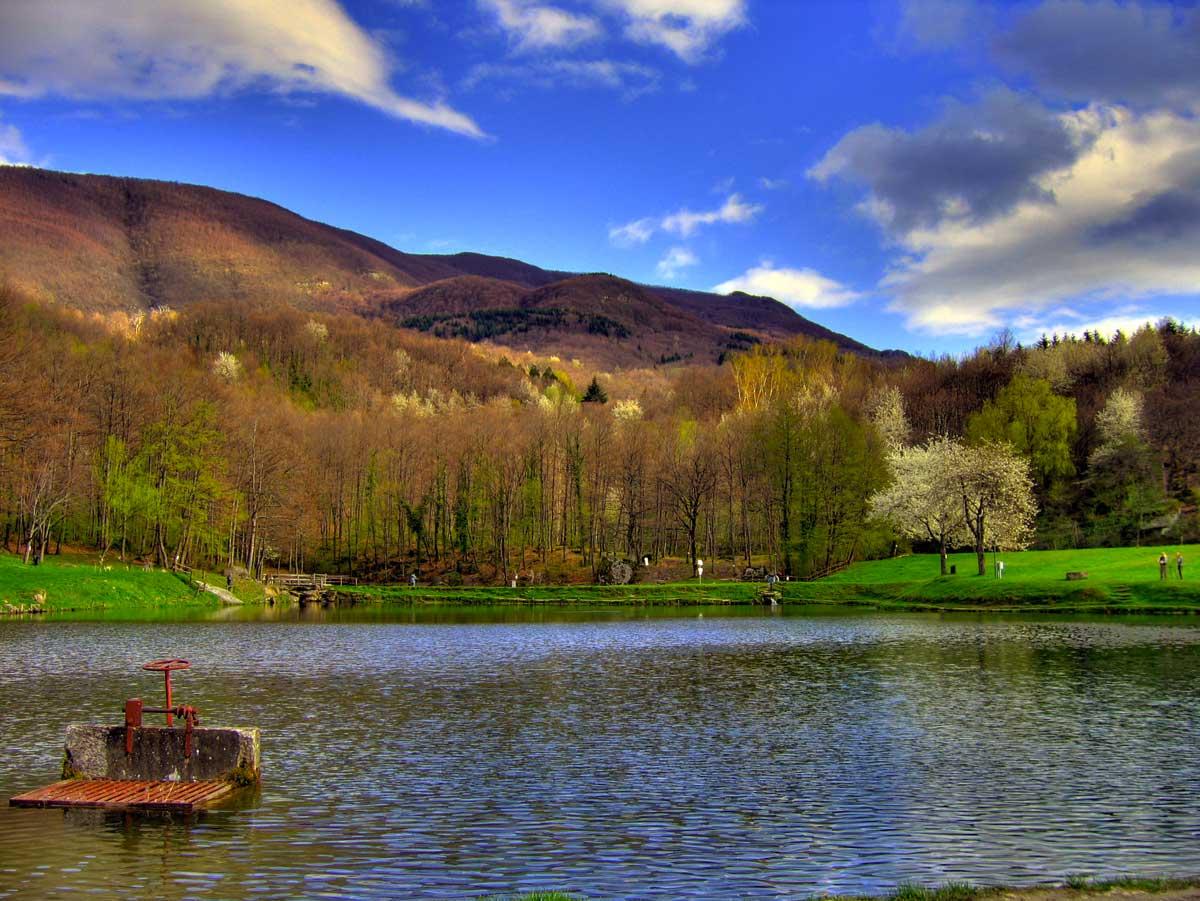 L 39 anello dei laghi ai piedi del monte comero i trekkabbestia - Lago lungo bagno di romagna ...