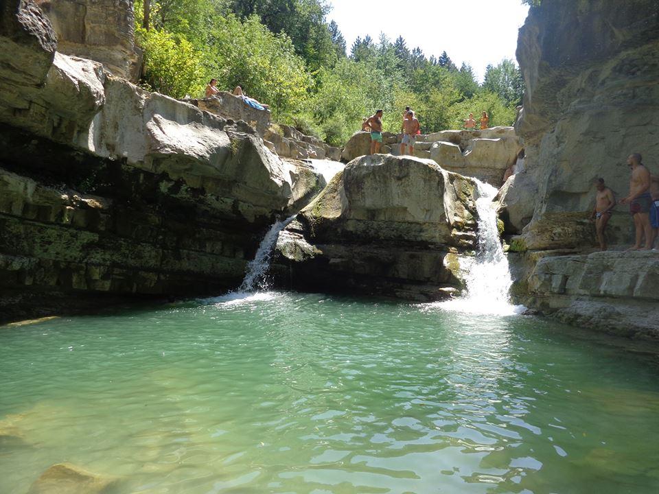 Lultimo tuffo dell estate alla cascata della sega i trekkabbestia